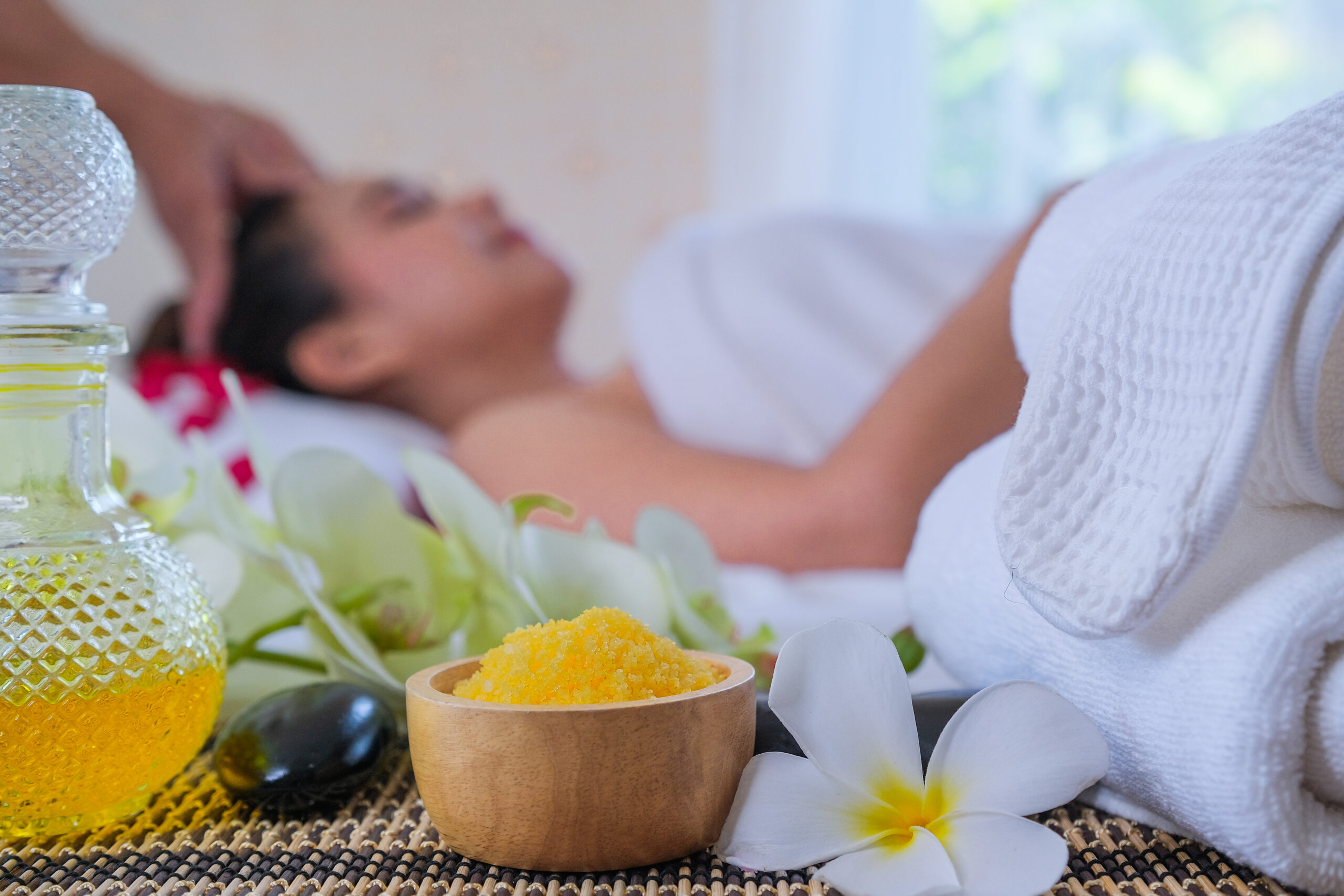 Spa Treatment Set Aromatic Massage Oil Bed Massage Thai Setting Aroma Therapy Massage With Flower Bed Relax Healthy Care Scaled